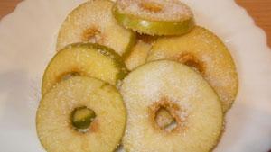 яблоки в тесте кляр